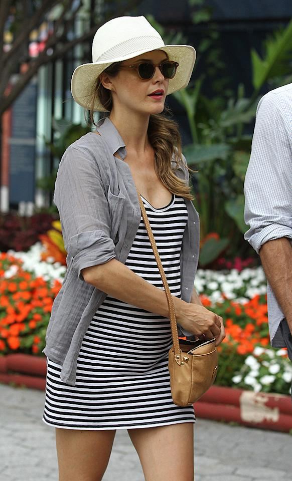 """Keri Russell is blessed with a naturally petite frame, which came in handy during both of her pregnancies -- after all, she is  nearly seven months along in this photo! But the former """"Felicity"""" star, 35, says she also maintained a healthy diet and exercised  moderately. (9/10/2011)"""