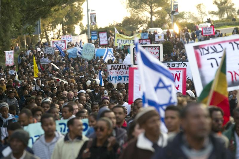 Some 1,500 demonstrators, mainly Israeli Jews of Ethiopian origin, protest in front of the Israeli Parliament in Jerusalem, on January 18, 2012, against racism and discrimination (AFP Photo/Menahem Kahana)