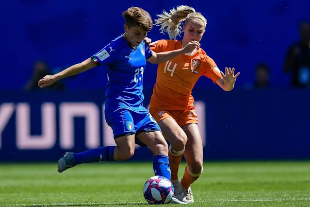(L-R) Manuela Giugliano of Italy women, Jackie Groenen of Netherlands women during the FIFA Women's World Cup France 2019 quater final match between Italy and The Netherlands at Stade du Hainaut on June 29, 2019 in Valenciennes, France. (Photo by VI Images via Getty Images)