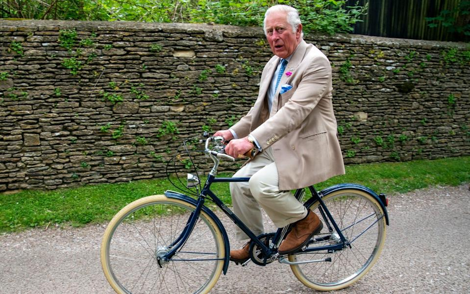 Prince Charles joins members of the British Asian Trust for a short bicycle ride - Arthur Edwards - WPA Pool/Getty Images