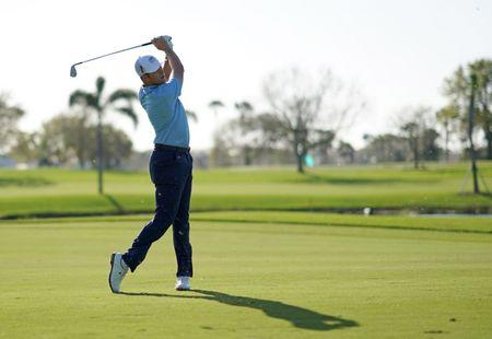 Woods in the hunt at Honda Classic