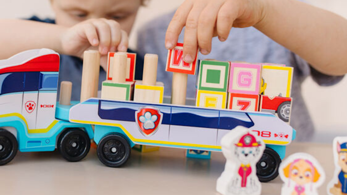 Get a head start on Black Friday shopping with 25% off sitewide at Melissa & Doug.