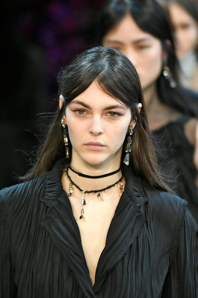 <p>Tri-tier stone earrings and chocker necklace at the Jason Wu FW18 show. (Photo: Getty Images) </p>