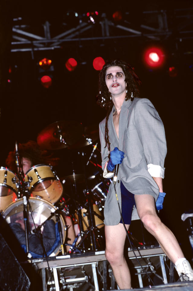 Perry Farrell in 1988. (Photo: Ebet Roberts/Redferns)