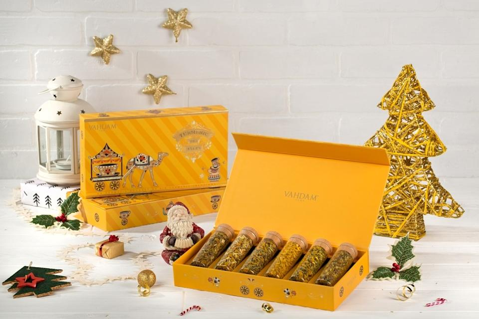 Featured in Oprah Winfrey's Favourite Things of 2019, Vahdam's Turmeric Tea Tales is a luxurious collection of 6 aromatic Turmeric teas, infused with a medley of fruits, herbs, spices & powerful superfoods, packaged in a beautiful gift box