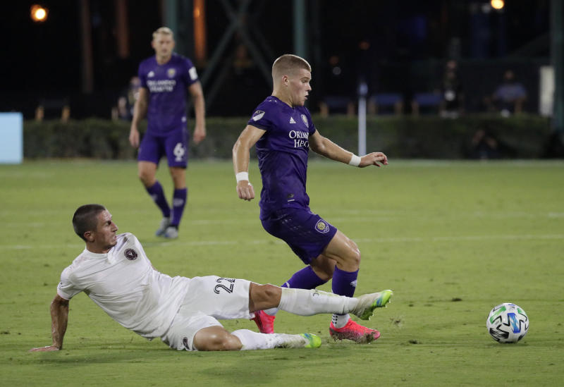 Mueller has 2 goals and Orlando City downs NYCFC 3-1