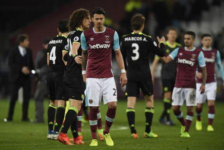 Britain Football Soccer - West Ham United v Chelsea - Premier League - London Stadium - 6/3/17 West Ham United's Jose Fonte and Chelsea's David Luiz after the game Action Images via Reuters / Tony O'Brien Livepic
