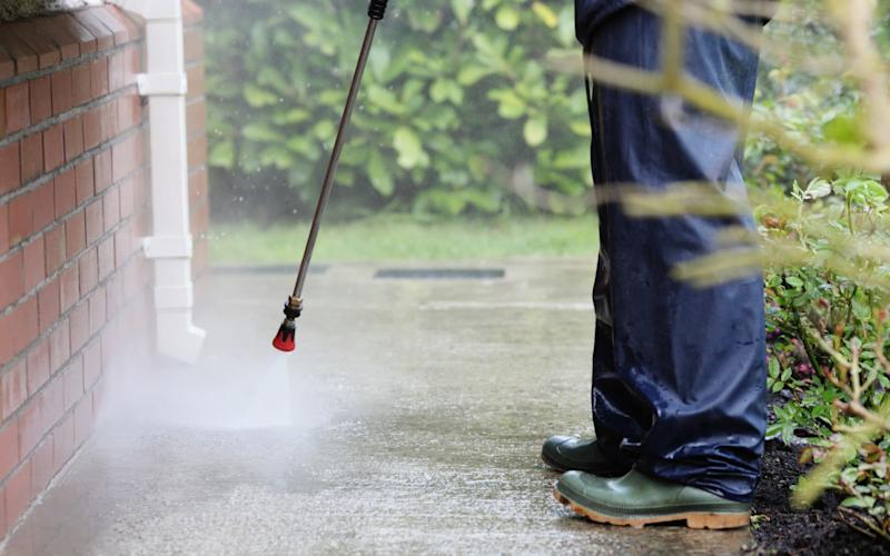 January is a perfect time to pressure wash the green algae from paving - E+