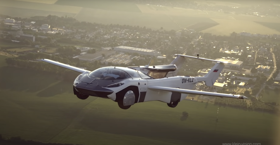 AirCar during its 35-minute flight from the international airport in Nitra to the international airport in Bratislava, Slovakia (Klein Vision)