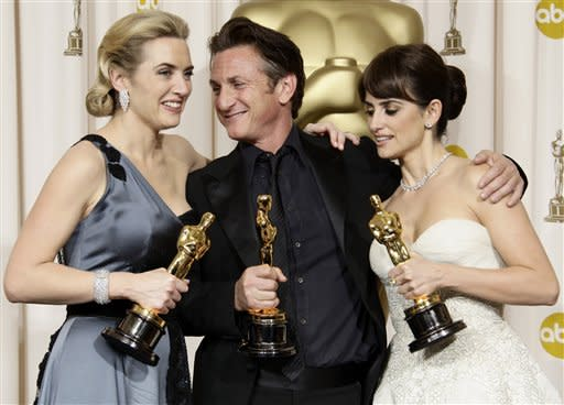 "From left, British actress Kate Winslet holds the Oscar for best actress for her work in ""The Reader"", Sean Penn holds the Oscar for best actor for his work in ""Milk"", and Spanish actress Penelope Cruz holds the Oscar for best supporting actress for her work in ""Vicky Cristina Barcelona"" during the 81st Academy Awards Sunday, Feb. 22, 2009, in the Hollywood section of Los Angeles. (AP Photo/Matt Sayles)  See Also: Oscars 2009- Photos from the award show"
