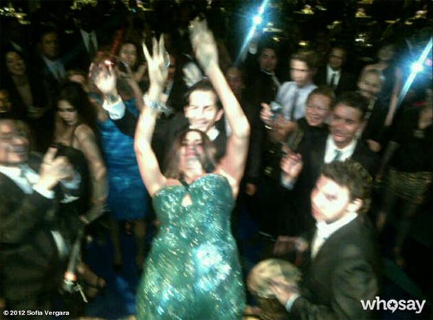 """Sofia Vergara dancing at an Emmys after-party. """"This is how the Colombians partyyy at the Emmys!!"""" - @SofiaVergara"""