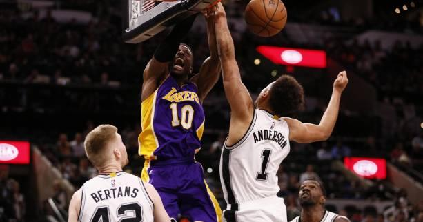 Basket - NBA - Battus par les Los Angeles Lakers sur leur parquet, les San Antonio Spurs pensent déjà aux play-offs