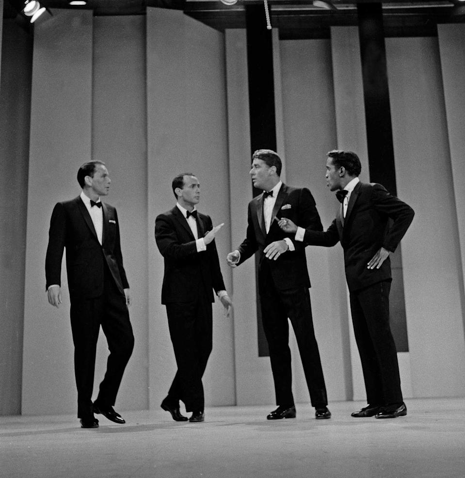 <p>Frank Sinatra brought out his buddies to perform a song on <em>The Frank Sinatra Show</em> in 1960.</p>