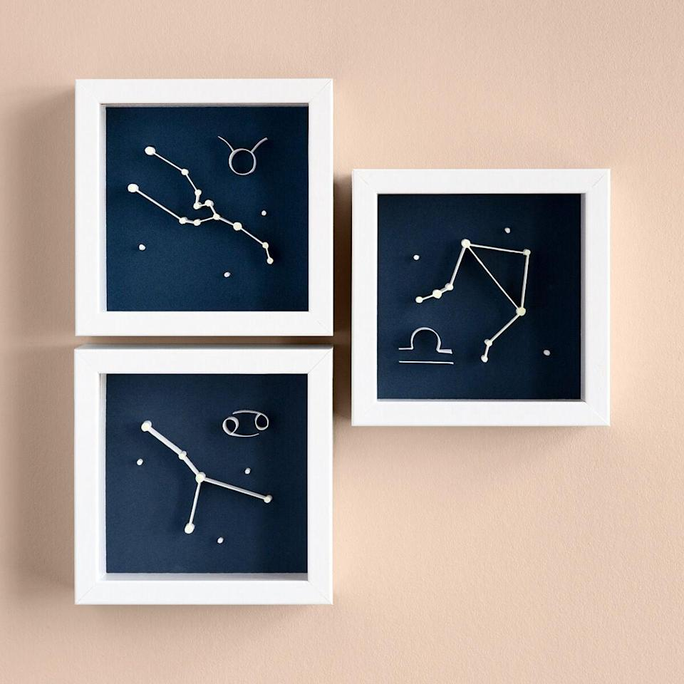 <p>How dreamy is this <span>Glow-in-the-Dark Zodiac Art</span> ($30)?</p>