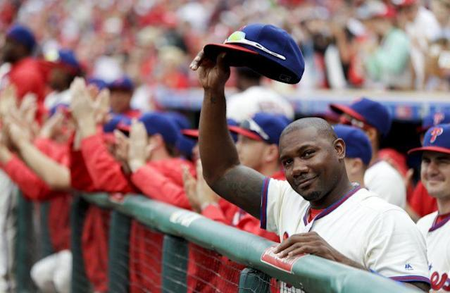 "<a class=""link rapid-noclick-resp"" href=""/mlb/players/7437/"" data-ylk=""slk:Ryan Howard"">Ryan Howard</a> at his final Phillies game. (AP Photo)"