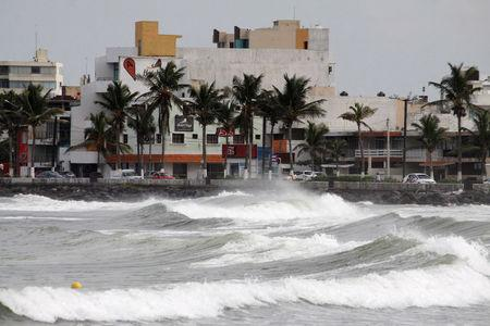 Waves break over the sea wall ahead of Hurricane Katia in Veracruz, Mexico, September 7, 2017. REUTERS/Victor Yanez
