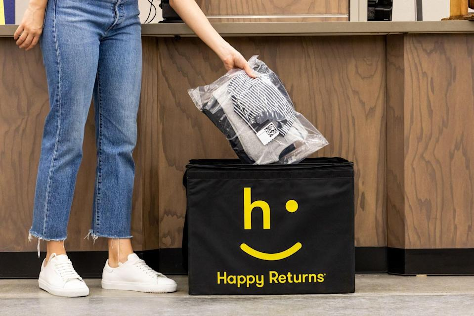 Happy Returns is teaming up with FedEx to offer box-free returns at most FedEx Office locations.