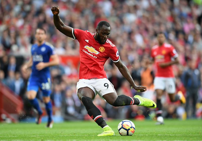 Man United's Lukaku backed by Mourinho after Stoke miss