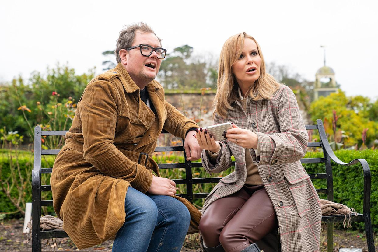 Alan Carr and Amanda Holden (pictured here on ITV show 'DNA Journey') discussed travel on the former's podcast 'Life's a Beach'. (ITV/Voltage TV and Mitre Television)