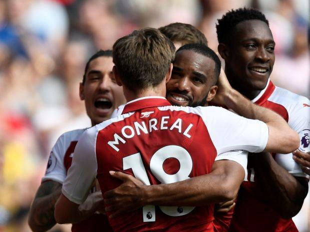 Late show sees Arsenal start Arsene Wenger's farewell tour with win over West Ham