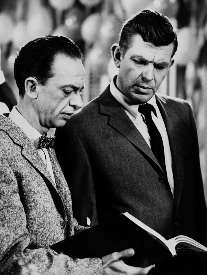 """Andy Griffith (right) as Sheriff Andy Taylor and Don Knotts (left) as Deputy Barney Fife, in a scene from the  """"The Andy Griffith Show"""", Jan. 24, 1963. (AP Photo)"""