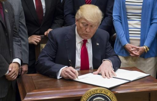 Trump signs executive order to expand offshore oil drilling