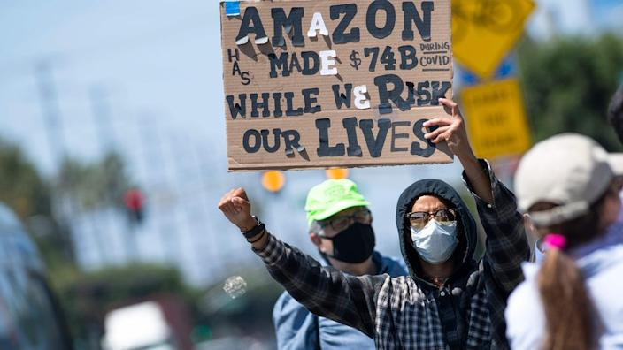 Coronavirus: Amazon vice-president quits over virus firings