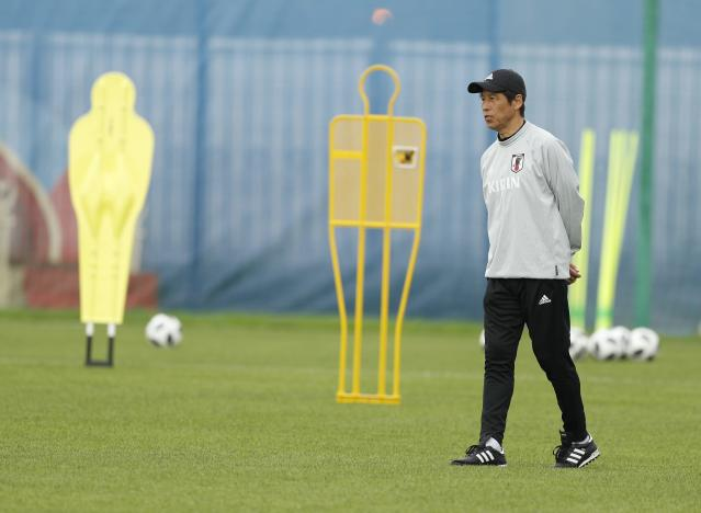 Soccer Football - World Cup - Japan Training - Japan Team Training Site, Kazan, Russia - June 20, 2018 Japan's coach Akira Nishino during training REUTERS/John Sibley