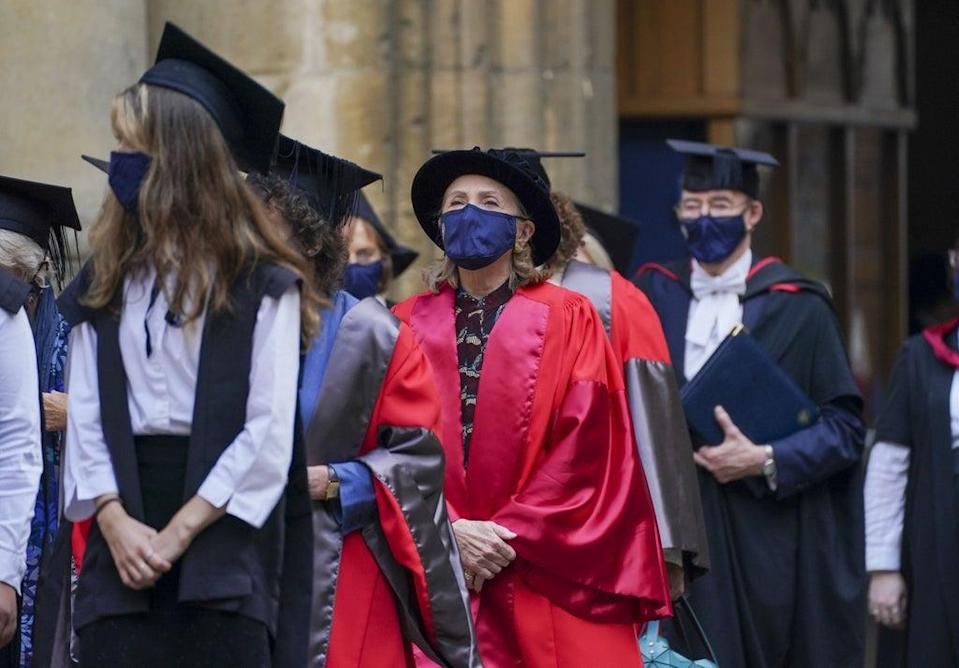 Hillary Clinton, centre, walks in a procession through the Bodleian Library quadrangle at Oxford University (Steve Parsons/PA) (PA Wire)