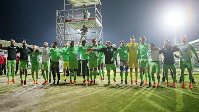 Wolfsburg maintained their Bundesliga status with Monday's 1-0 win over Holstein Kiel to seal a 4-1 aggregate triumph.
