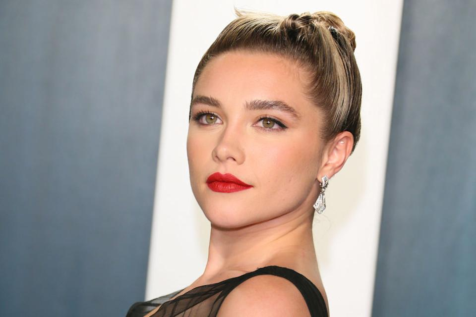Rising star Florence Pugh has hit back at critics of her relationship with Zach Braff, pictured here at the Vanity Fair Oscars party, Feb 2020. (Getty Images)