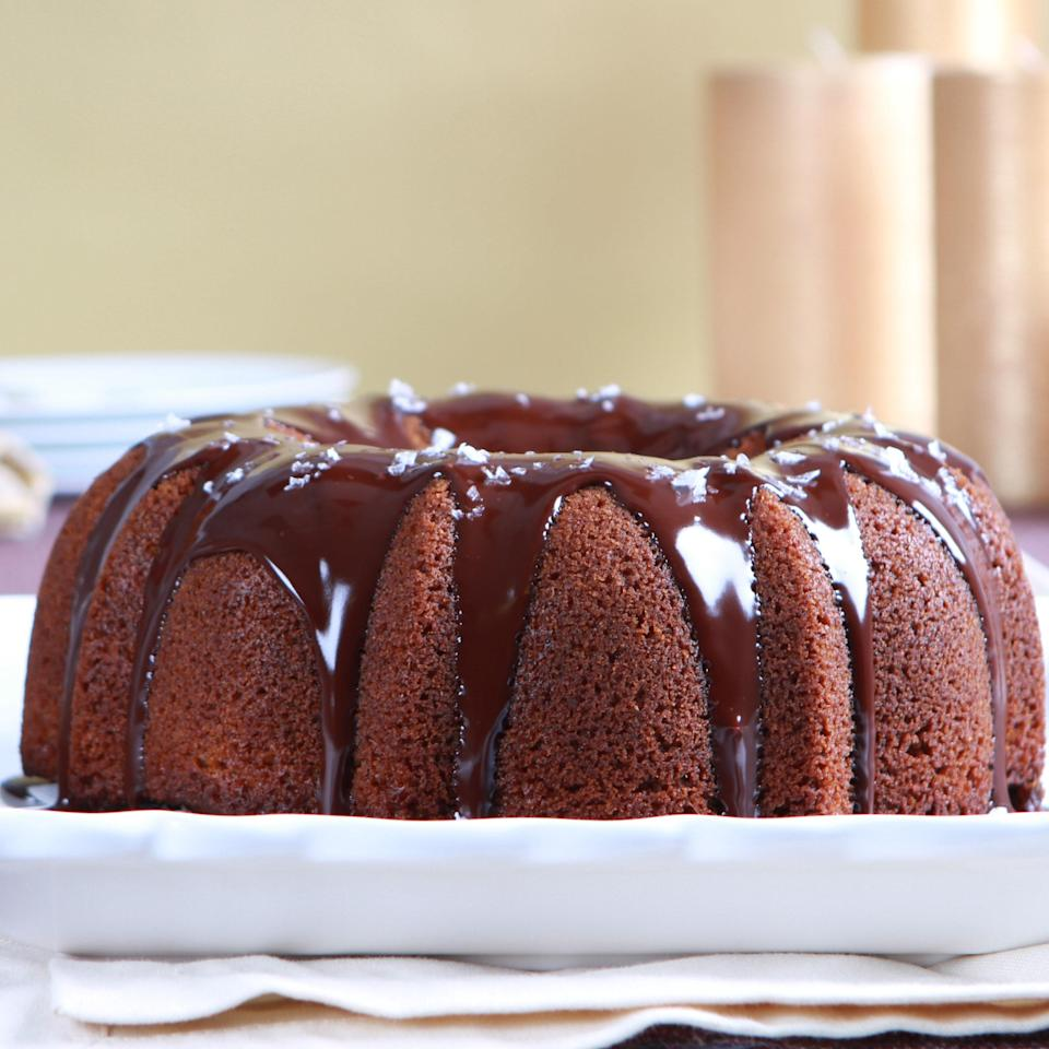 "With its velvety chocolate glaze and snowy flakes of sea salt, this dressed-up honey cake is perfect for Rosh Hashanah. <a href=""https://www.epicurious.com/recipes/food/views/honey-cake-367189?mbid=synd_yahoo_rss"" rel=""nofollow noopener"" target=""_blank"" data-ylk=""slk:See recipe."" class=""link rapid-noclick-resp"">See recipe.</a>"