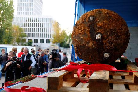 Thousands evacuated as Germany tackles huge WWII bombs