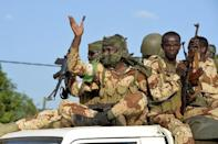 Thousands see off Chadian troops to fight Boko Haram