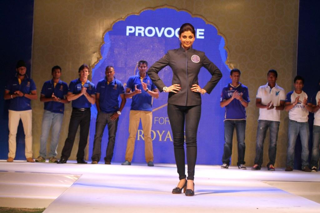 Shilpa Shetty on the ramp at the Rajasthan Royals Provogue Fanwear Launch at Hotel Marriott in Jaipur on Monday