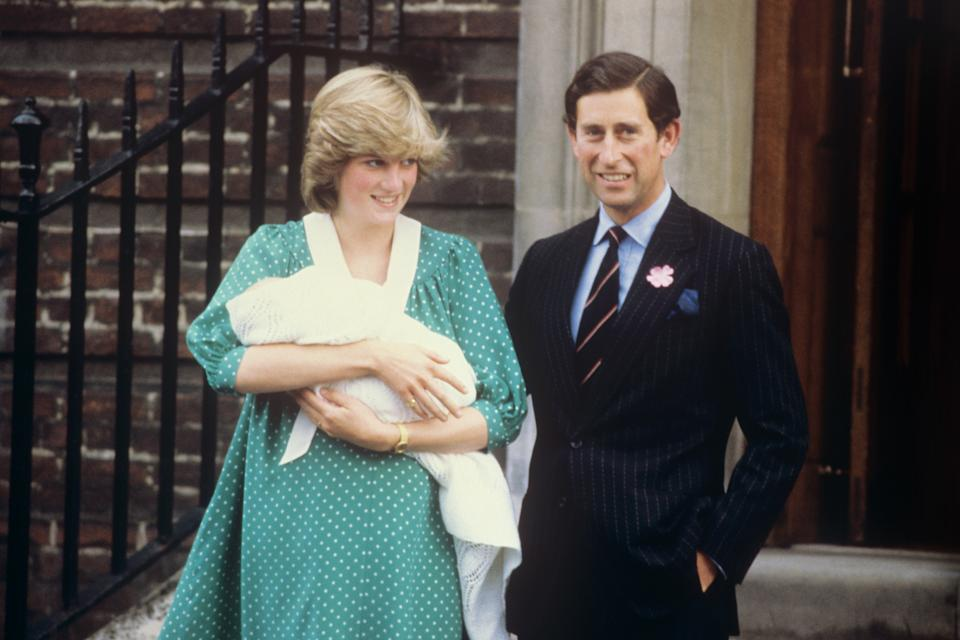21st JUNE : On this day in 1982 Prince William was born. The Prince and Princess of Wales leaving the Lindo Wing,  at St. Mary's Hospital after the birth of their baby son, Prince William.   (Photo by PA Images via Getty Images)