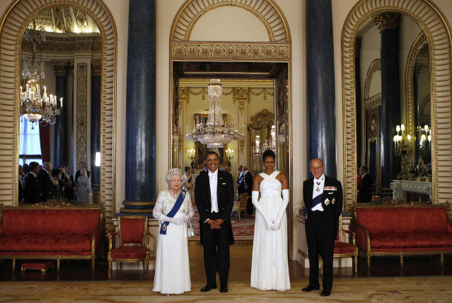 Queen Elizabeth and Prince Philip with the Obamas in the Music Room. (Getty Images)