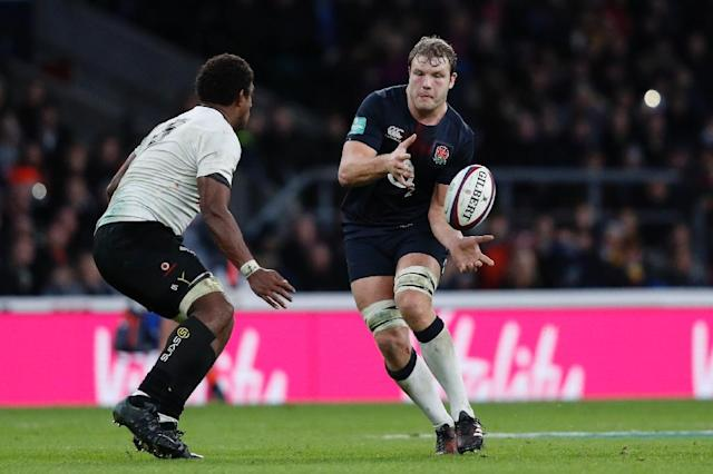 George Kruis was recalled after after fellow lock Joe Launchbury (R) received a two-week ban for kicking against Fiji (AFP Photo/Adrian Dennis)
