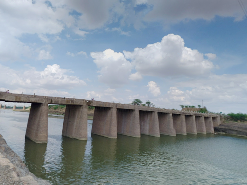 The bus veered off a bridge with no railings while driving on the Kota-Lalsot highway, killing 24 people: Google Maps