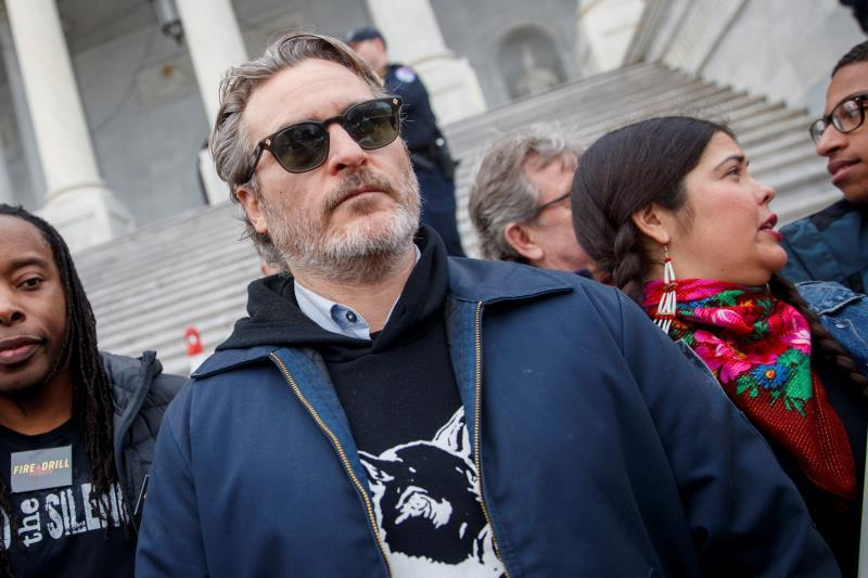 Golden Globe winner Joaquin Phoenix participates in the Fire Drill Friday climate change rally at the US Capitol in Washington, DC (USA). EFE/Shawn Thew