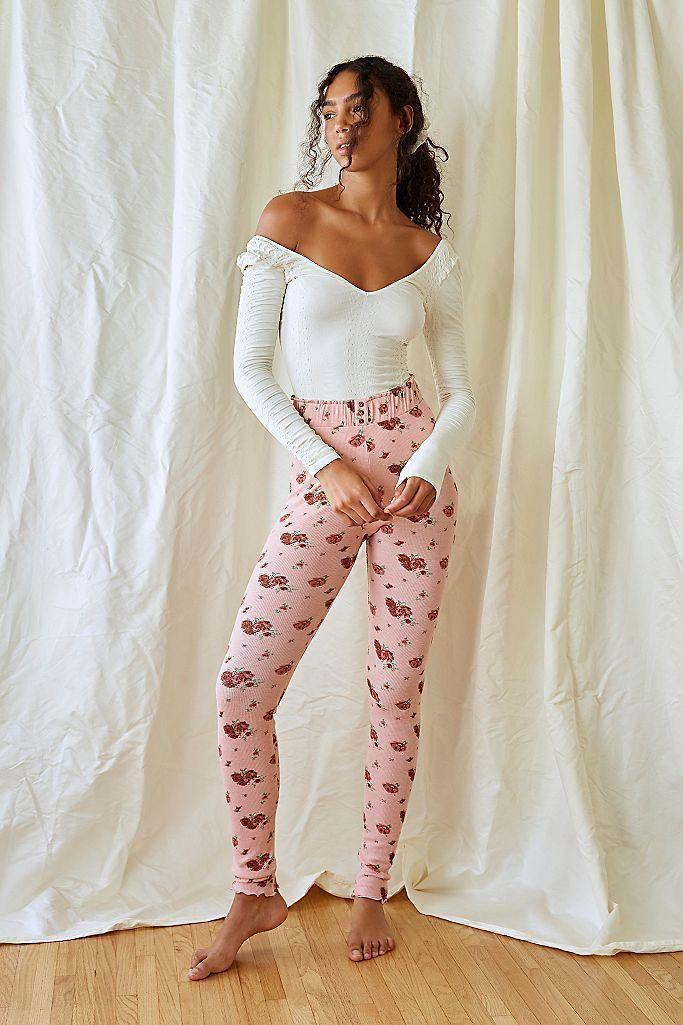"""<p><strong>Free People</strong></p><p>freepeople.com</p><p><strong>$48.00</strong></p><p><a href=""""https://go.redirectingat.com?id=74968X1596630&url=https%3A%2F%2Fwww.freepeople.com%2Fshop%2Fcozy-time-leggings%2F&sref=https%3A%2F%2Fwww.seventeen.com%2Ffashion%2Fg34440479%2Fbest-winter-leggings%2F"""" rel=""""nofollow noopener"""" target=""""_blank"""" data-ylk=""""slk:Shop Now"""" class=""""link rapid-noclick-resp"""">Shop Now</a></p><p>Nothing says cozy like thermal leggings in the winter. These adorable floral printed ones come in three prints and have lettuce edge hems at the ankles. </p>"""