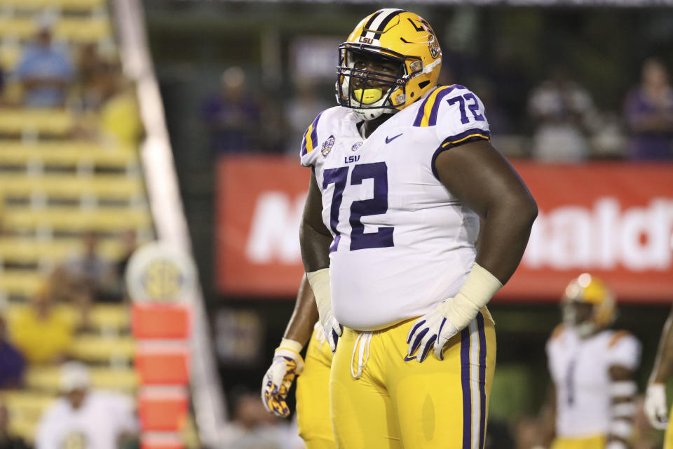 BATON ROUGE, LA - SEPTEMBER 08: LSU Tigers nose tackle Tyler Shelvin (72) during the LSU Tigers 31-0 win over the Southeastern Louisiana Lions on September 08, 2018, at Tiger Stadium in Baton Rouge, Louisiana.  (Photo by Andy Altenburger/Icon Sportswire via Getty Images)