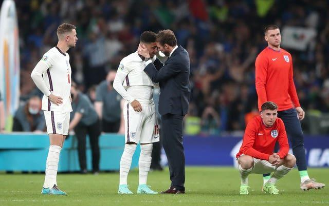 Southgate consoles his players at the end of the final