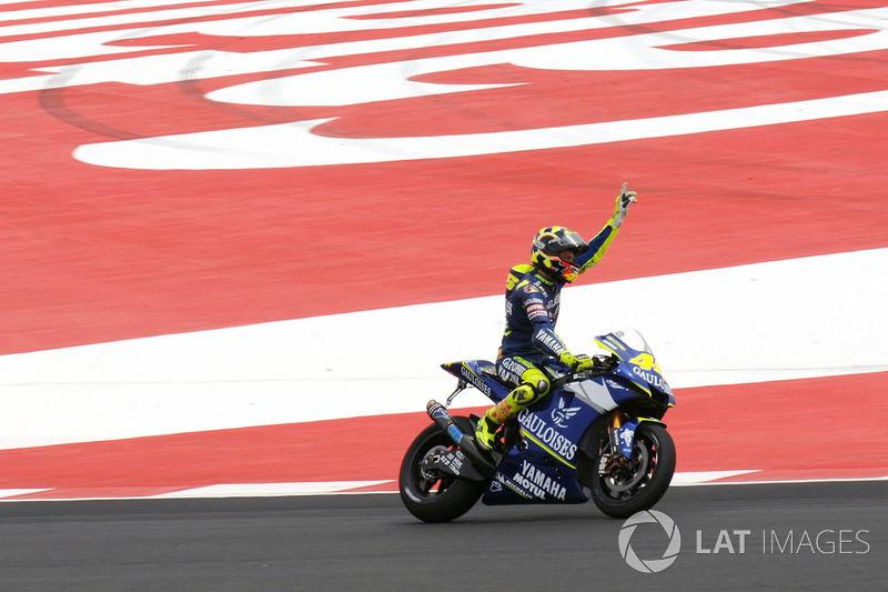 "2005 - Valentino Rossi<span class=""copyright"">Gold and Goose / Motorsport Images</span>"