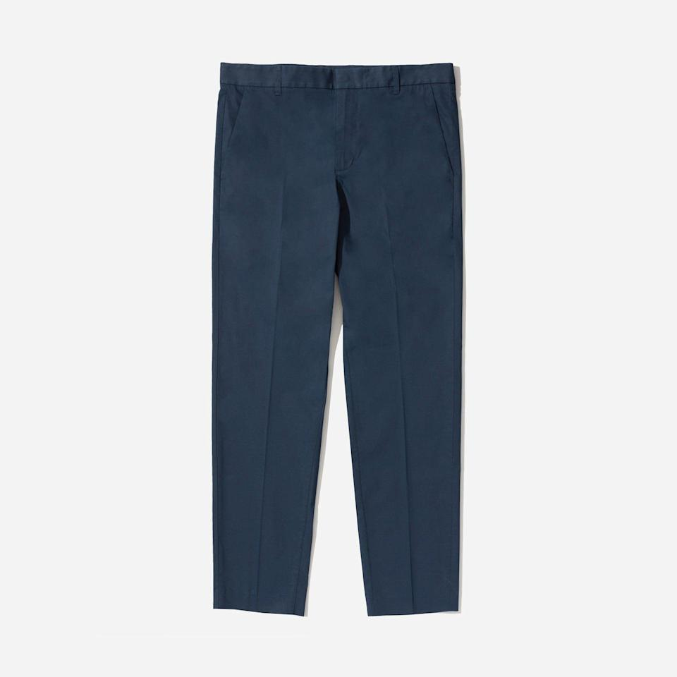 """<p><strong>Everlane</strong></p><p>everlane.com</p><p><strong>$35.00</strong></p><p><a href=""""https://go.redirectingat.com?id=74968X1596630&url=https%3A%2F%2Fwww.everlane.com%2Fproducts%2Fmens-travel-pant-navy&sref=https%3A%2F%2Fwww.esquire.com%2Fstyle%2Fmens-fashion%2Fg33391536%2Feverlane-summer-sale%2F"""" rel=""""nofollow noopener"""" target=""""_blank"""" data-ylk=""""slk:Buy"""" class=""""link rapid-noclick-resp"""">Buy</a></p><p>Also in pant form, if you're feeling fancy. </p>"""