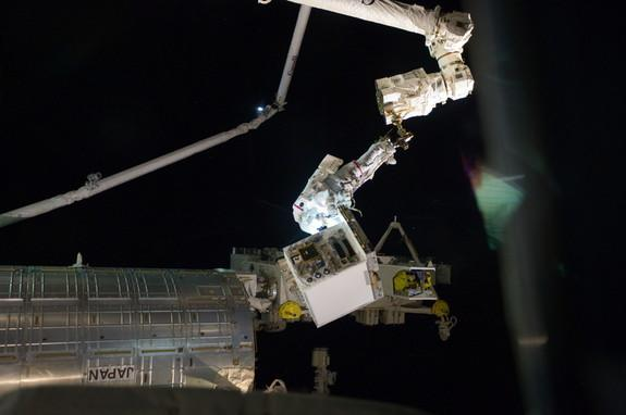 Glitch Stalls Robotic Refueling Experiment in Space