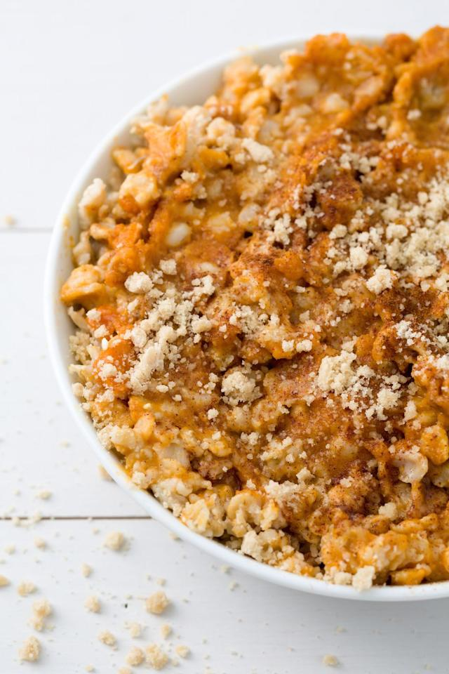 "<p>Get a taste of fall all year with these simple stir-ins: canned pumpkin, pumpkin pie spice, and cinnamon, plus a graham cracker crumble topping.</p><p>Get the recipe from <a href=""/cooking/recipe-ideas/recipes/a44502/pumpkin-pie-oatmeal-recipe/"" target=""_blank"">Delish</a>.</p>"