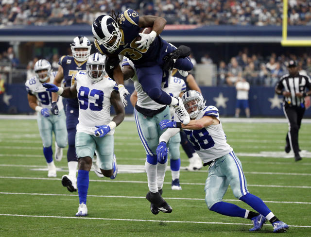 """<a class=""""link rapid-noclick-resp"""" href=""""/nfl/players/28398/"""" data-ylk=""""slk:Todd Gurley"""">Todd Gurley</a> looks like a star again, highlighting this week's recap around the league in Week 4 (AP Photo/Michael Ainsworth)."""