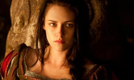 Kstew is supposedly returning for a Snow White sequel, but don't worry Rpatz — director Rupert Sanders won't be running the show this time.