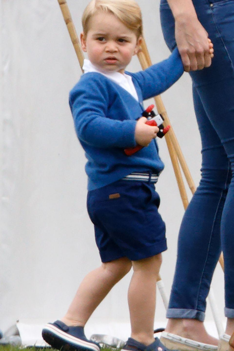 """<p>Including <a href=""""https://www.standard.co.uk/news/uk/royal-baby-news-how-the-birth-of-kate-middletons-second-child-will-be-announced-10220388.html"""" rel=""""nofollow noopener"""" target=""""_blank"""" data-ylk=""""slk:significant figures"""" class=""""link rapid-noclick-resp"""">significant figures</a> such as the Lord Mayor of London, the Governors of Northern Ireland, the Channel Islands, and the Isle of Man. </p>"""